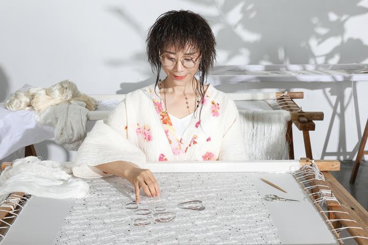 立志让台绣走向全国和世界的林霞:方寸绢帛 妙指生花